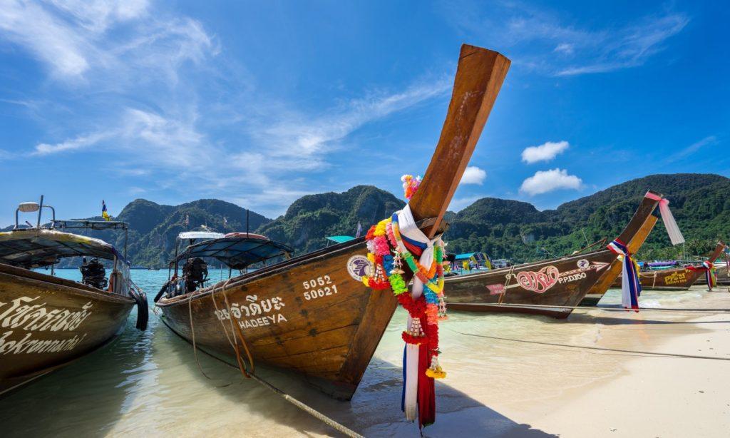 Туристы полетят в Тайланд по ковидному паспорту